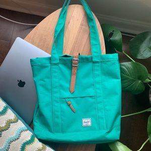 Pre-loved Hershel tote bag - great for laptops!